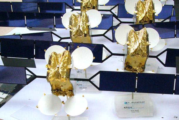 Maquette satellites KASAT